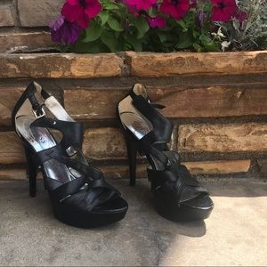 Guess Black Heels with straps 8